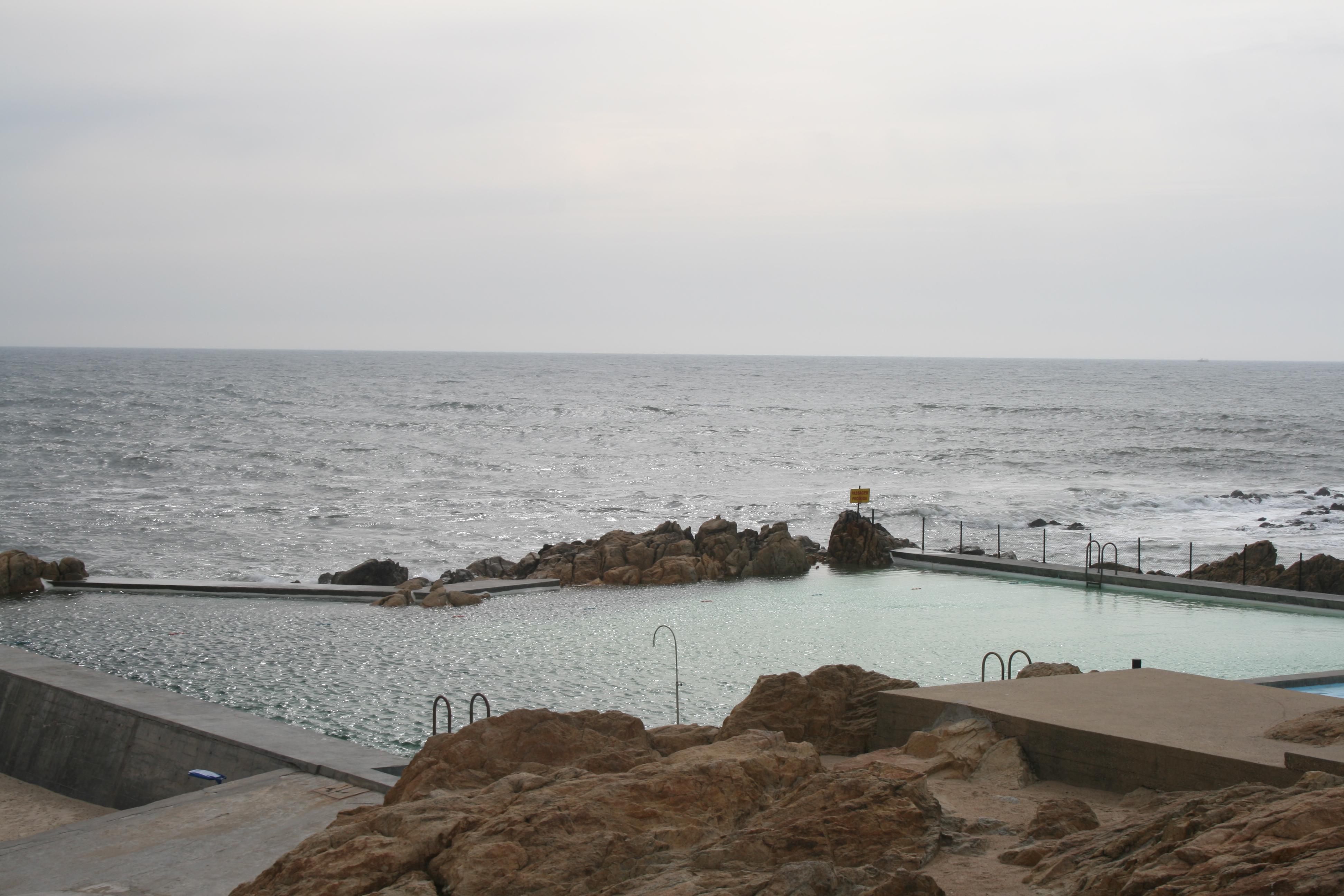 Leca swimming pools spain portugal blog for Alvaro siza leca swimming pools
